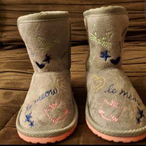 Super Cute Infant Girl's Size 5 Children's Place Winter Boots for Sale in La Grange Park, IL