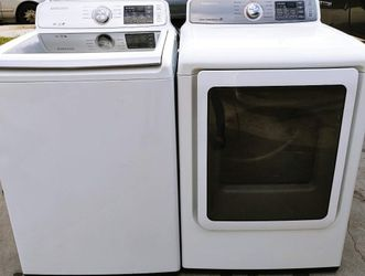 SAMSUNG WASHER AND GAS DRYER for Sale in Highland,  CA