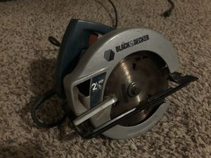 """Black and decker 2 1/3 HP; 7 1/4"""" circular saw for Sale in Fresno, CA"""