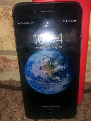 IPHONE 8 PLUS for Sale in DeSoto, TX