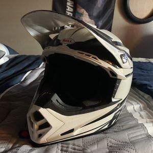 Bell Moto 9 (Mx Helmet) for Sale in Fresno, CA