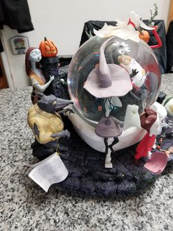 Nightmare Before Christmas kidnap Sandy Claws snowglobe for Sale in Seattle,  WA