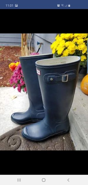 Pending - Hunter womens boots size 10 for Sale in Tacoma, WA