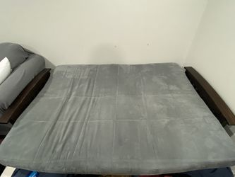 Pull Out Couch (Full Size bed) LIKE NEW for Sale in Glenview,  IL