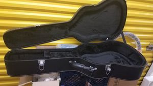 Guitar case with key for Sale in Compton, CA