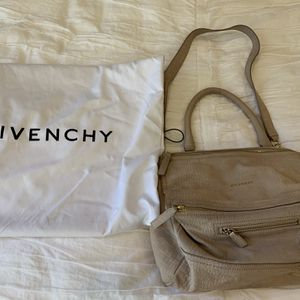 Givenchy - Pandora Messenger Bag for Sale in Lake Forest, CA