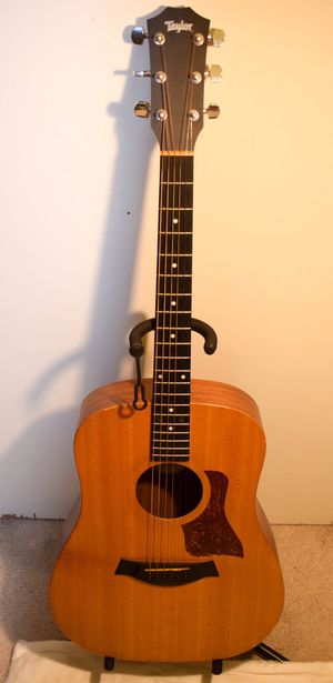 Taylor Acoustic Guitar (Big Baby Taylor - BBT) for Sale in Los Angeles, CA
