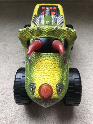 Toy State Road Rippers Monster Truck Trisaur Vehicle Lights/Sound for Sale in Maple Valley, WA