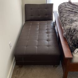 Leather Reversible Sofa And Chaise for Sale in St. Petersburg,  FL