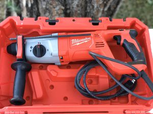 Milwaukee 8 Amp Corded 1 in. SDS D-Handle Rotary Hammer - New tool for Sale in Fontana, CA