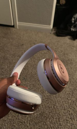 Beats rose gold wireless 3 for Sale in Henderson, NV