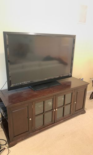 Home Entertainment Center Table for Sale in Clifton, VA