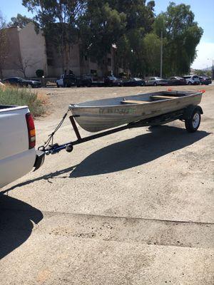 14 foot aluminum boat new tires 7 1/2 hp Mercury thunderbolt and Minnkota trolling motor for Sale in Santa Clarita, CA