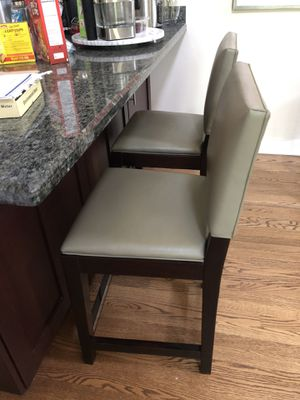 Crate and barrel bar stools for Sale in Chicago, IL
