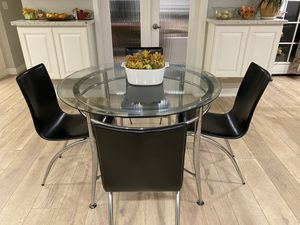 Modern Glass And Metal Mesa Dinner Dining table Dinette Set with 4 black sillas chairs for Sale in Fremont, CA