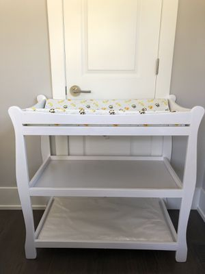 Changing table, pad and cover for Sale in Glenview, IL