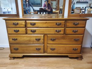 10 Drawer Dresser for Sale in Tacoma, WA