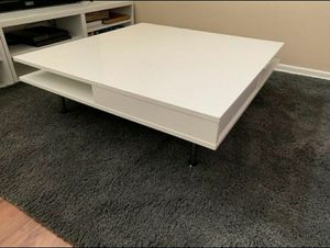 """Ikea TOFTERYD Coffee table, high gloss white, 37 3/8x37 3/8 """" for Sale in Rancho Cucamonga, CA"""