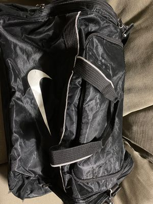 Nike duffle bag-large for Sale in Rancho Cordova, CA
