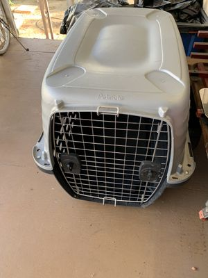 Grey kennel for medium size dog. Great condition, barely used for Sale in Escondido, CA