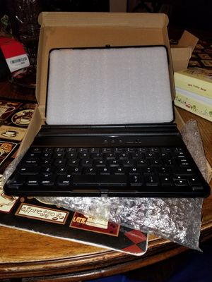 iPad keyboard and pen new for Sale in Jacksonville, FL