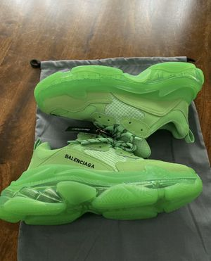 Balenciagas size 9 for Sale in Clinton, MD