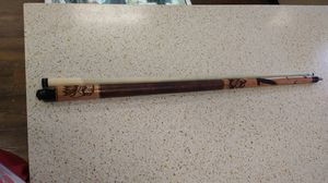 McDermott G-Series Pool Cue w/ Etched Eagles for Sale in Victoria, TX