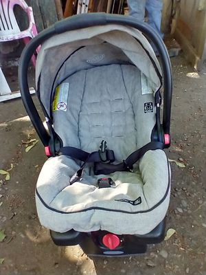 Snugride 35 car seat for Sale in Lakewood, WA