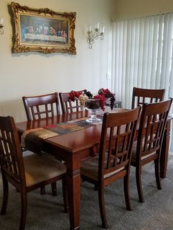 Dining Room Table W/6 Chairs for Sale in Puyallup,  WA