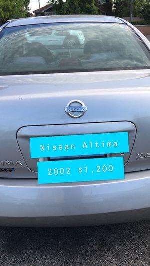 Nissan Altima 2002 for Sale in Chicago, IL