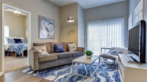 Co leasing a 4/4 apartment for Sale in Tallahassee, FL