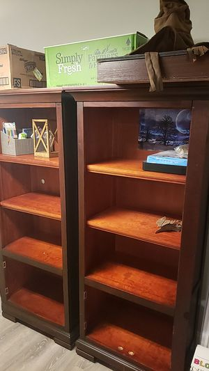 Set of twin bookshelves. In great shape. We recently moved and they are too big for our new home so please give them a new one 💜 for Sale in Delray Beach, FL
