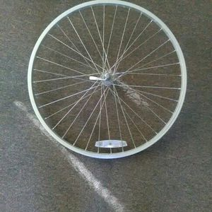 26 X 1.5- 1.75 MTB/ Cruiser Alloy Wheel for Sale in Gonzales, LA