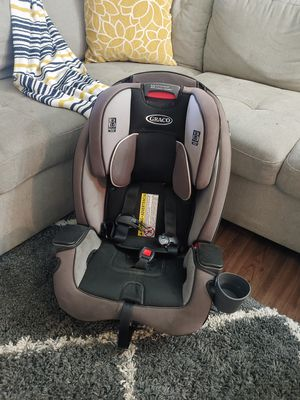 Car seat for Sale in Aurora, CO