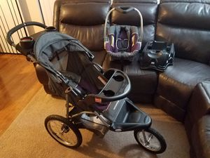 Baby Trend Car Seat & Jogging Stroller with Base for Sale in La Porte, TX