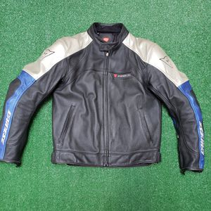 Dainese Zen Evo Motorcycle Riding Jacket size 54/54 CE Armor Protectors w/ Liner for Sale in Humble, TX