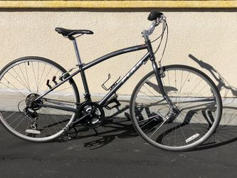 FUJI Absolute 5.0 - Silver - Small/Medium Size Bike Bicycle Hybrid for Sale in Danville,  CA