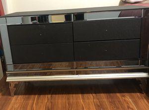 4 drawer desk/table/vanity for Sale in Delano, CA