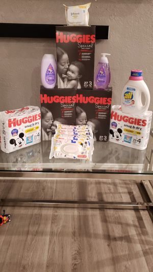 Huggies Baby Bundle size 3 & 4 for Sale in Miami, FL