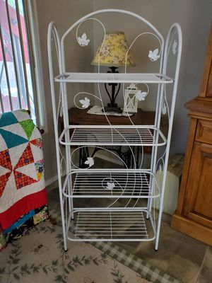 Adorable Baker's Rack for Sale in Gilbert, AZ