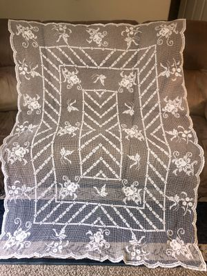 "Beautiful vintage lace cotton embroidered tablecloth 53 x 73"" like new! for Sale in Dutton, MI"