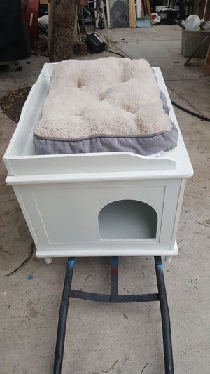 Dog house for small dog or cat for Sale in Santa Ana, CA