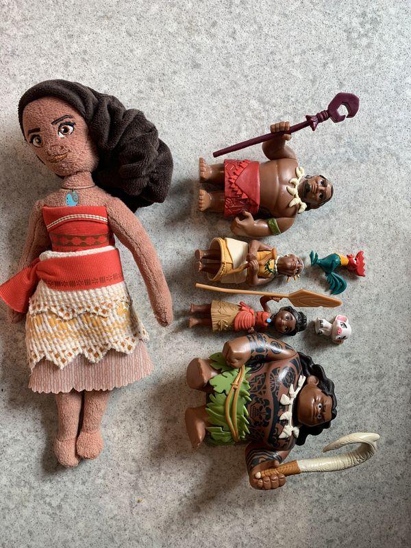 Moana figures and plush