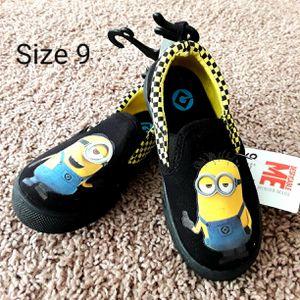 Minion Despicable Me Boys shoes Size toddler 9 for Sale in Phoenix, AZ