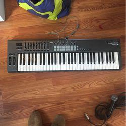 Novation Launch Key 61 MIDI Keyboard for Sale in Seattle,  WA