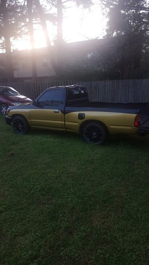 Toyota Tacoma 98 only 163,500 miles clean title for Sale in Smyrna, TN