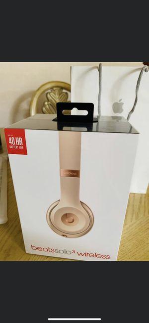 Beats solo 3 wireless for Sale in Riverbank, CA