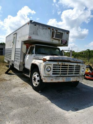Old ford box truck...$350 or best offer for Sale in Bartow, FL