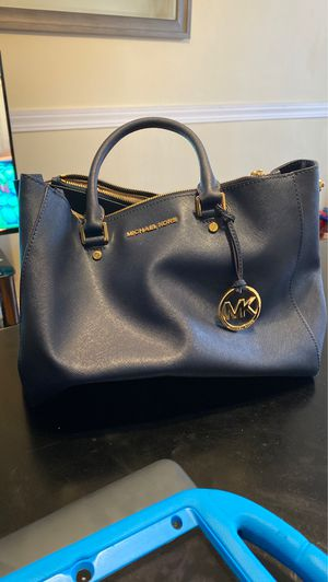 Authentic Michael Kors purse for Sale in Oak Park, IL