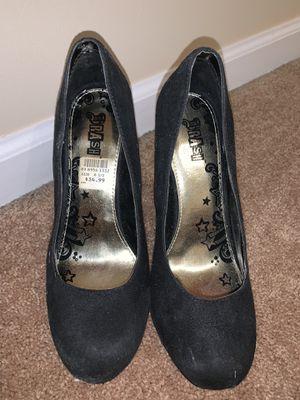 Heels size 6 1/2 for Sale in Carteret, NJ